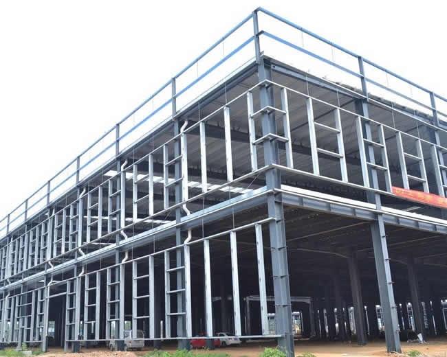 钢质厂房内的保温可隔绝大部分阳光辐射