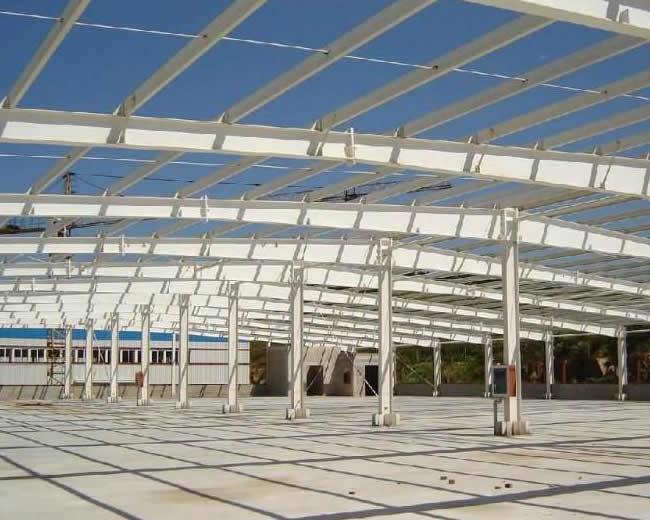 钢结构工程主要包括钢梁、钢柱、钢桁架